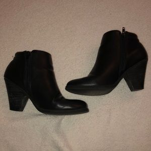 Mia Black booties size 7.5
